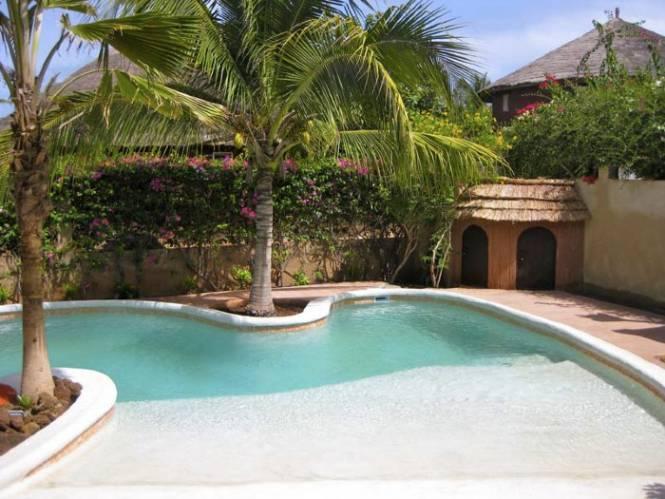 Photo 8 du Vue de la piscine de la villa à louer