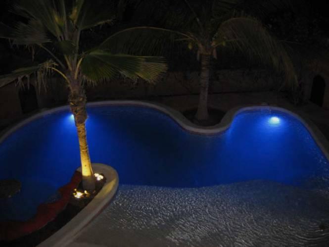 Photo 3 du Vue de la piscine de la villa à louer